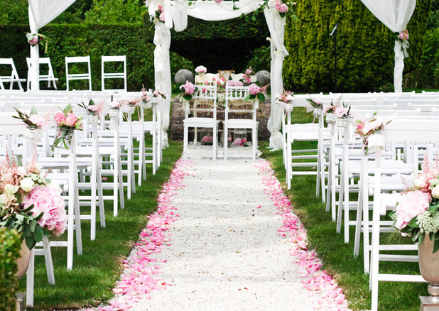 Am nager son jardin pour une r ception de mariage sem jardin for Au jardin wedding