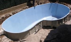 Profiter des joies de la baignade avec une piscine en for Piscine coque polyester avantages