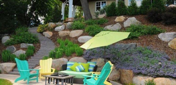 jardin en pente elegant jardin paysager piscine et terrasse bois with jardin en pente comment. Black Bedroom Furniture Sets. Home Design Ideas