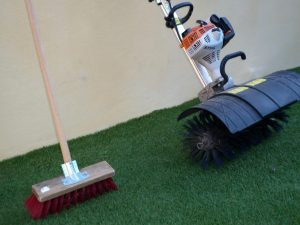 Aspirateur pelouse synthetique